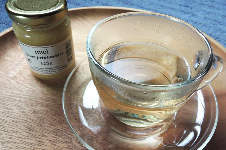 蜂蜜とハーブティー